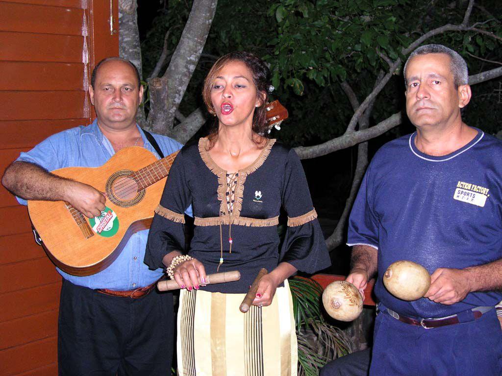 Typische Musikgruppe Kubas, hier aus Jiguani