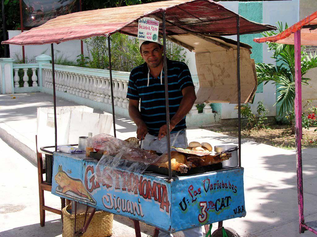 Spanferkel Verkäufer in Jiguani