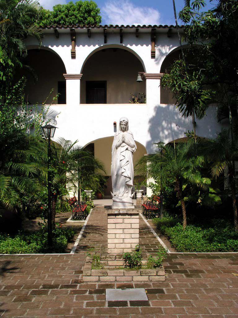 Innenhof der Kirche Nuestra Señora de la Merced in Camagüey