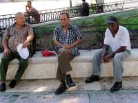 Rentner am Plaza de la Revólution in Bayamo