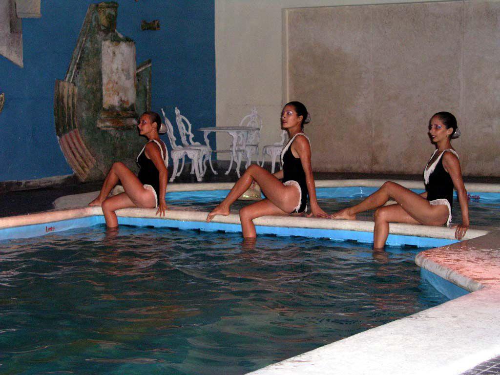 Wasserballett im Gran Hotel in Camagüey
