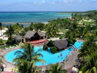 Einer der 2 Pools des Hotels Las Brisas Guardalavaca