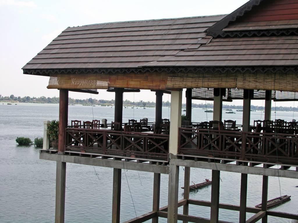 Muang Không, Pon Arena Hotel, Restaurant am Mekong