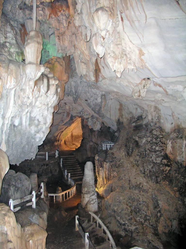 Ban Khouaphan, Tham Chang Höhle