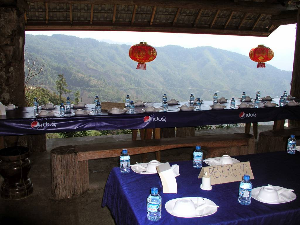 Ban Namphay, Phoun Khoun Restaurant