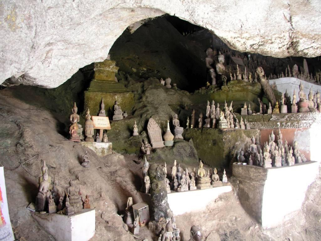 Ban Pak-Ou, spirituelle Pak Ou Höhle mit Minibuddhas