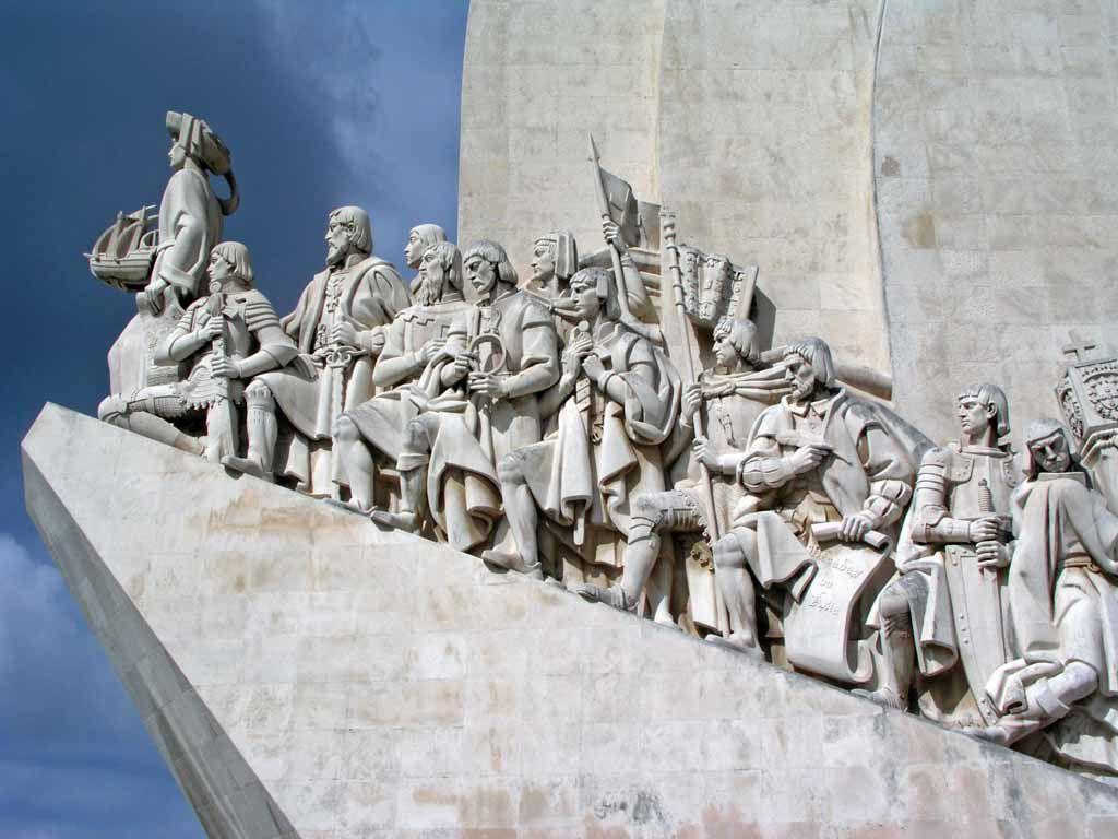 Das Entdeckerdenkmal, das Padrao dos Descobrimentos mit Heinrich dem Seefahrer in Belém