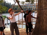 Blasrohr schießen kann man bei den Orang Asli auch
