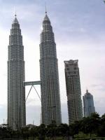 Die Petronas Zwillingstürme bei Tag ...