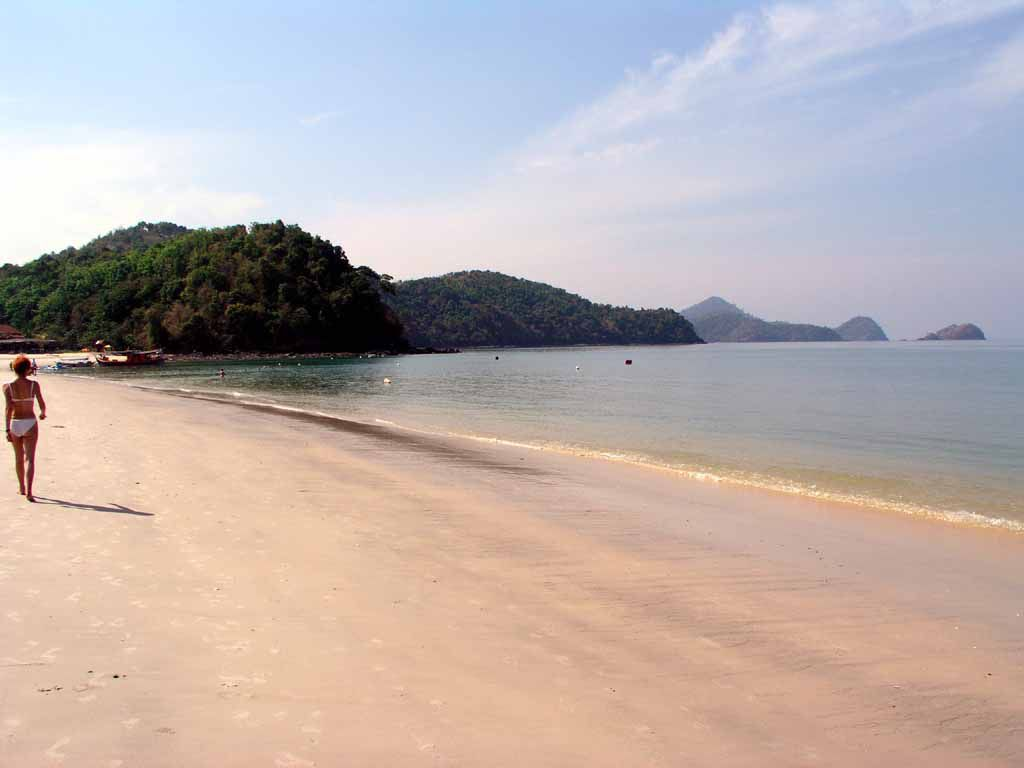 Strand vor dem Holiday Village Langkawi