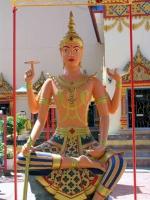 Statue im Wat Chaya Mangkalaram, einem thailändischen buddhistischem Tempel