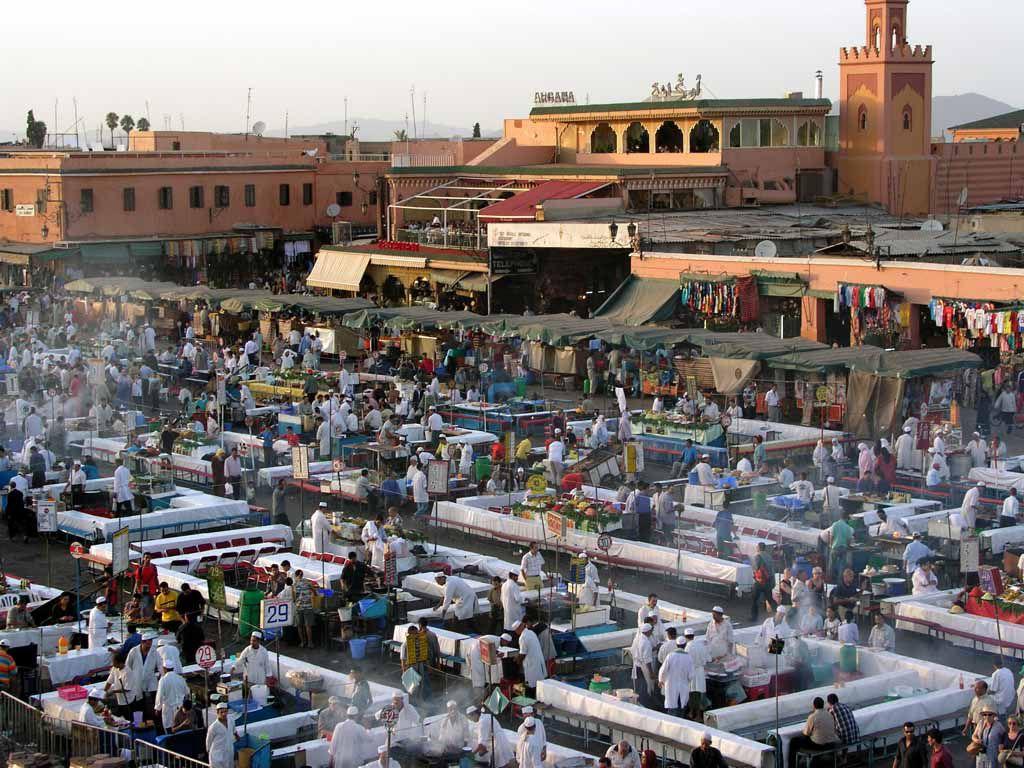 Marrakesch, Blick über den Gauckler Platz, den Djemaa el Fna