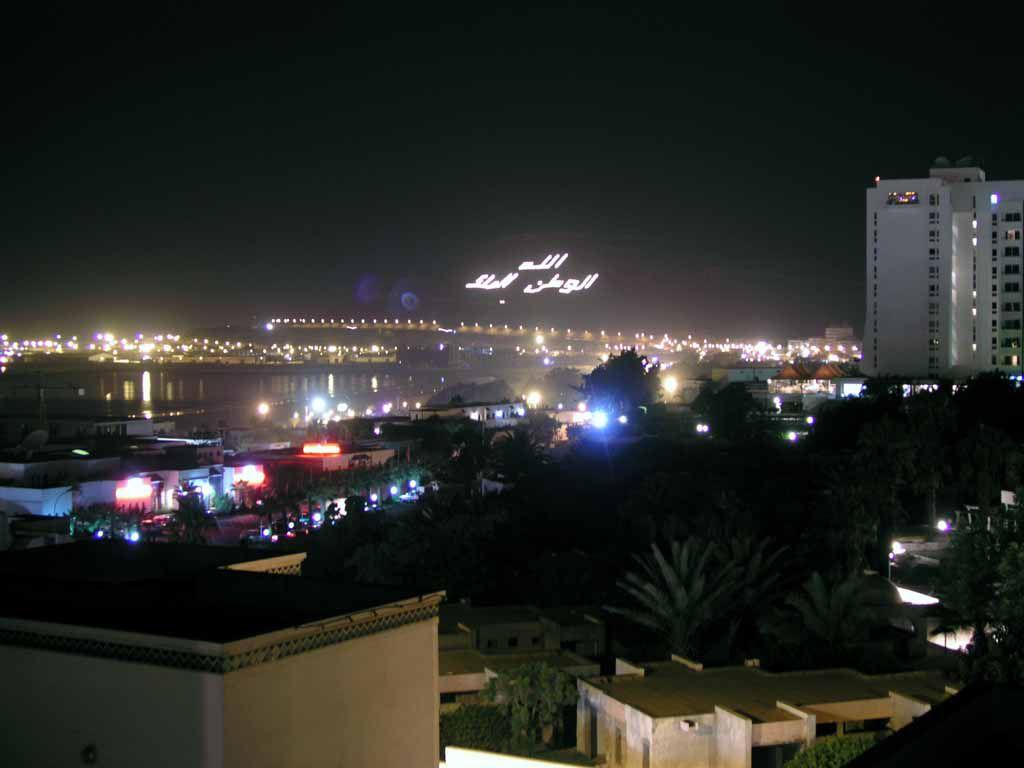 Blick auf die Festung Santa Cruz de Aguer bei Nacht