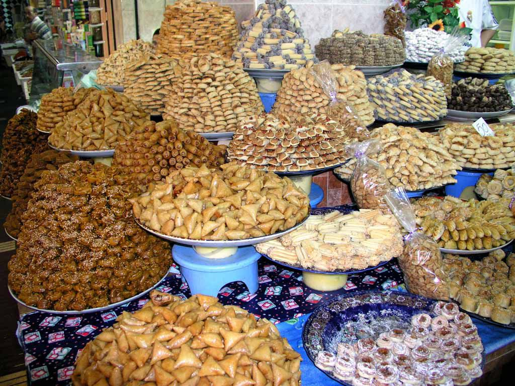 Süßigkeiten in den Souks von Meknes