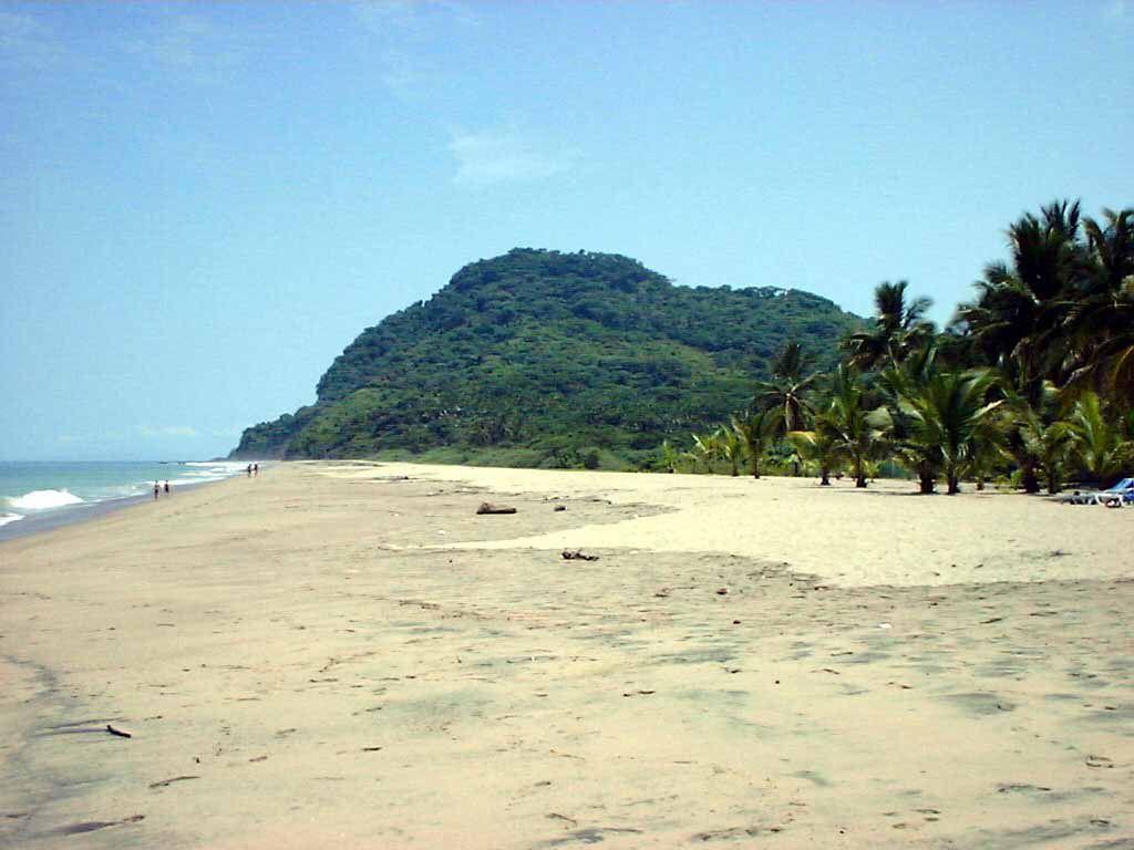Strand am Beach Club (nach Norden)