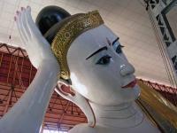 Yangon, Buddha in der Kyauk-htat-gyi-Pagode