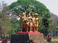 Yangon, Statue am Kandawgyi See