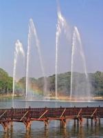 Yangon, Fontänen im Kandawgyi See