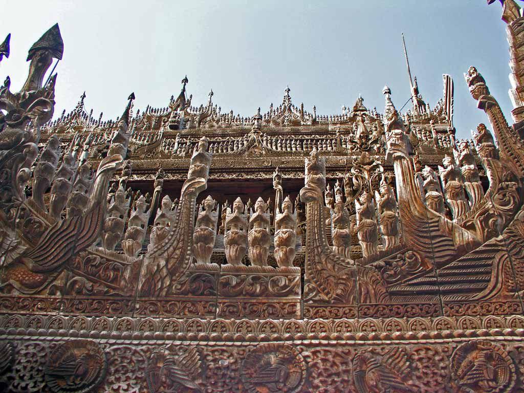 Mandalay, Verzierungen an der Golden Palace Monastary, der Shwe-nan-daw-Kyaung