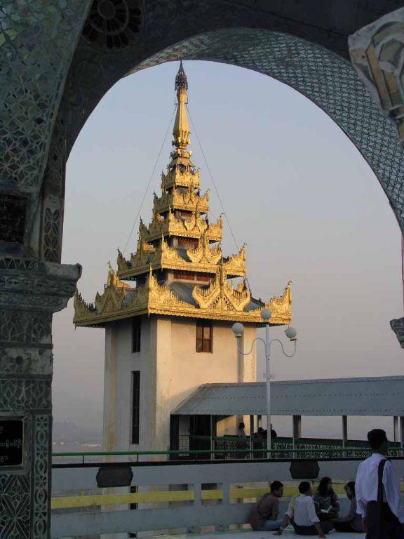 Mandalay, Aufzugsspitze auf dem Mandalay Berg