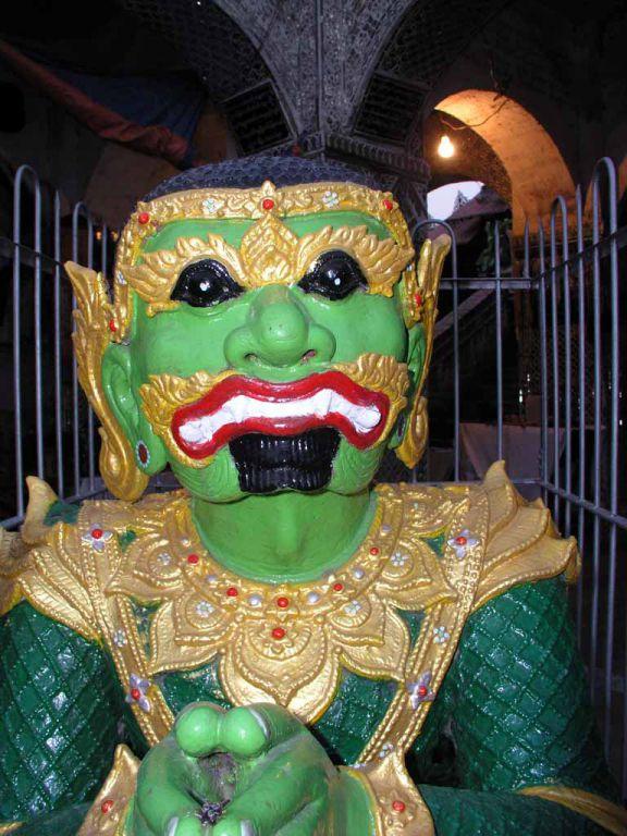 Mandalay, Statue der Sanda Moke Kit