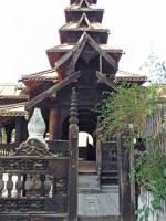Inwa, das Bagaya Kloster, ein Holzkloster
