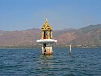 An dieser Stelle sank die Barke mit den Buddha Figuren bei einer Seeprozession