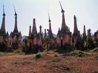 Alte Stupas bei In Dein
