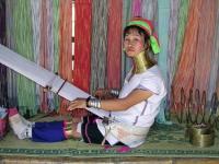 Ekaw Sam Yaek, Giraffenhals Frau vom Karen Stamm