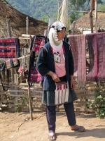 Bergland bei Kyaingtong, Frau vom Akha Stamm