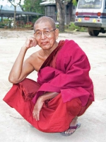 Pyin U Lwin, Mönch