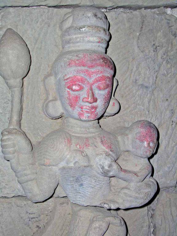 Mrauk U, Statuen in der Htuk-Kant-Thein-Pagode (auch Dukkan-Thein-Pagode)