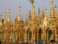 Yangon, in der Shwedagon-Pagode