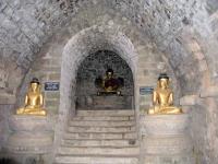 Mrauk U, Buddhastatuen in der Htuk-Kant-Thein-Pagode (auch Dukkan-Thein-Pagode)