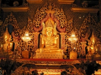 Kyauktaw, Buddhastatue in der Mahamuni-Pagode