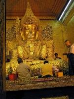 Mandalay, Mahamuni Buddha