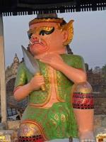Mrauk U, Wächterstatue an der Sakya-Man-Aung-Pagode