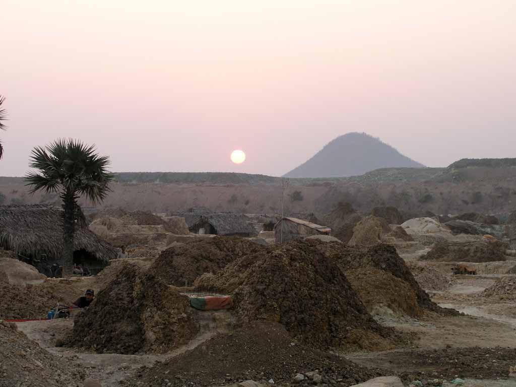 Monywa, Landschaft in der Nähe eines Kupferabbaus