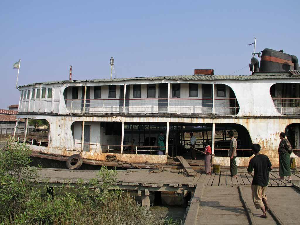 Sittwe, Boot zur Fahrt auf dem Kaladan Fluss