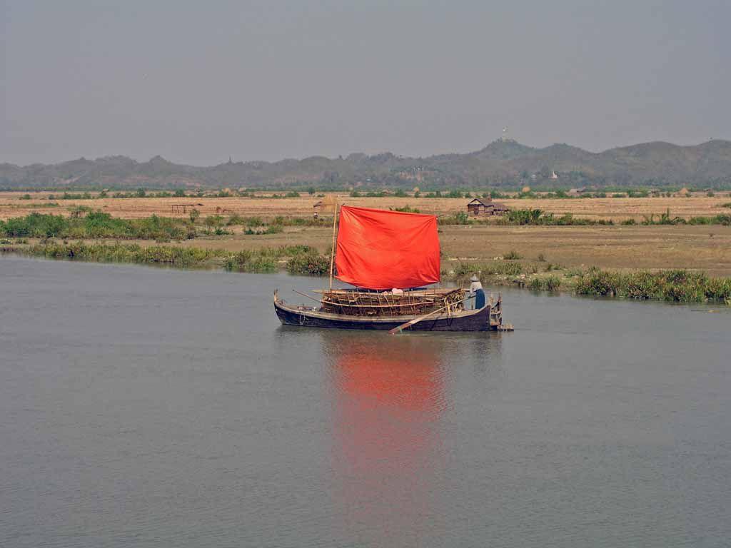 50 Km nördlich Sittwe, Begegnung auf dem Kaladan Fluss