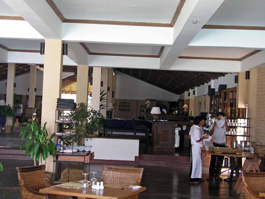 Ngwe Saung, Bar im Palm Beach Resort Hotel