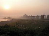 Amarapura / Mandalay, Sonnenaufgang an der U-Bein Brücke