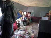 Yangon, in einem Zug