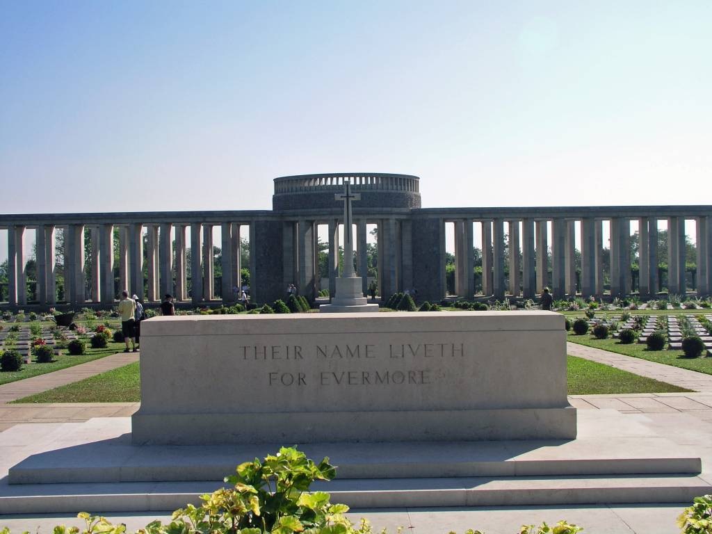 Htaukkyant, Soldatenfriedhof