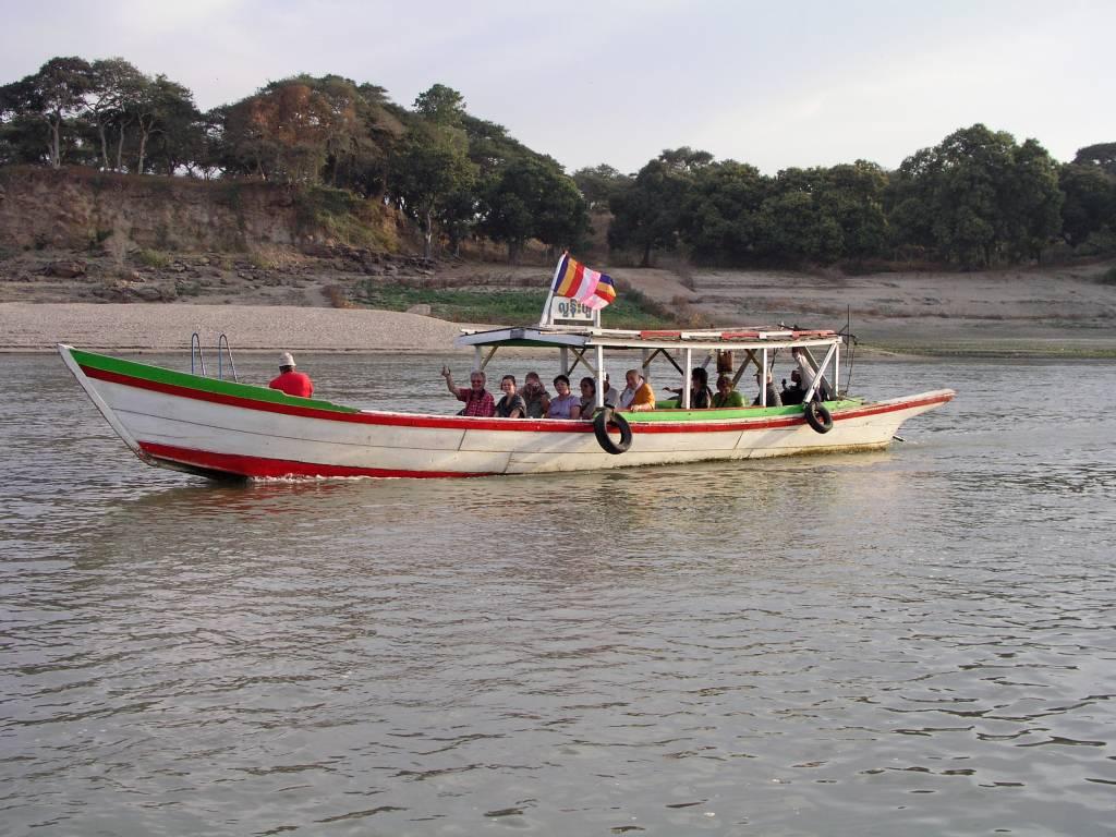 Nyaung U, Bagan, auf dem Ayeyarwady Fluss