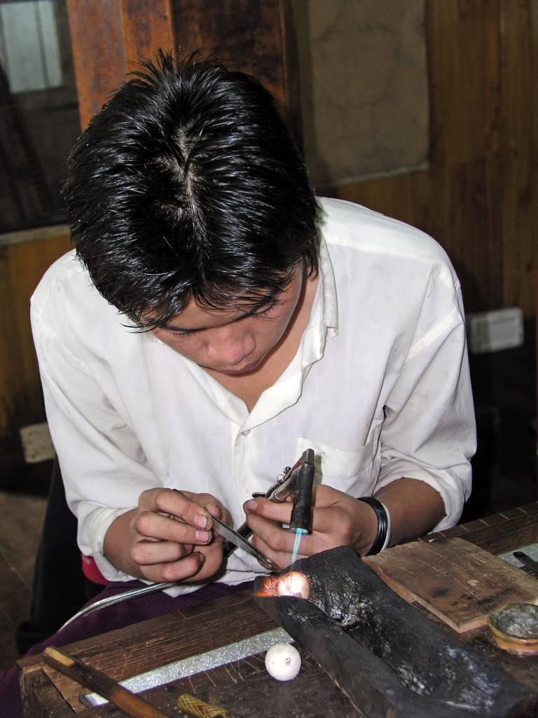Taunggyi, Inle See, Silberschmied