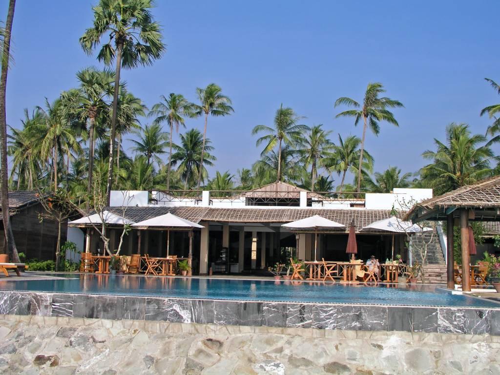 Ngwe Saung, Palm Beach Resort, Pool