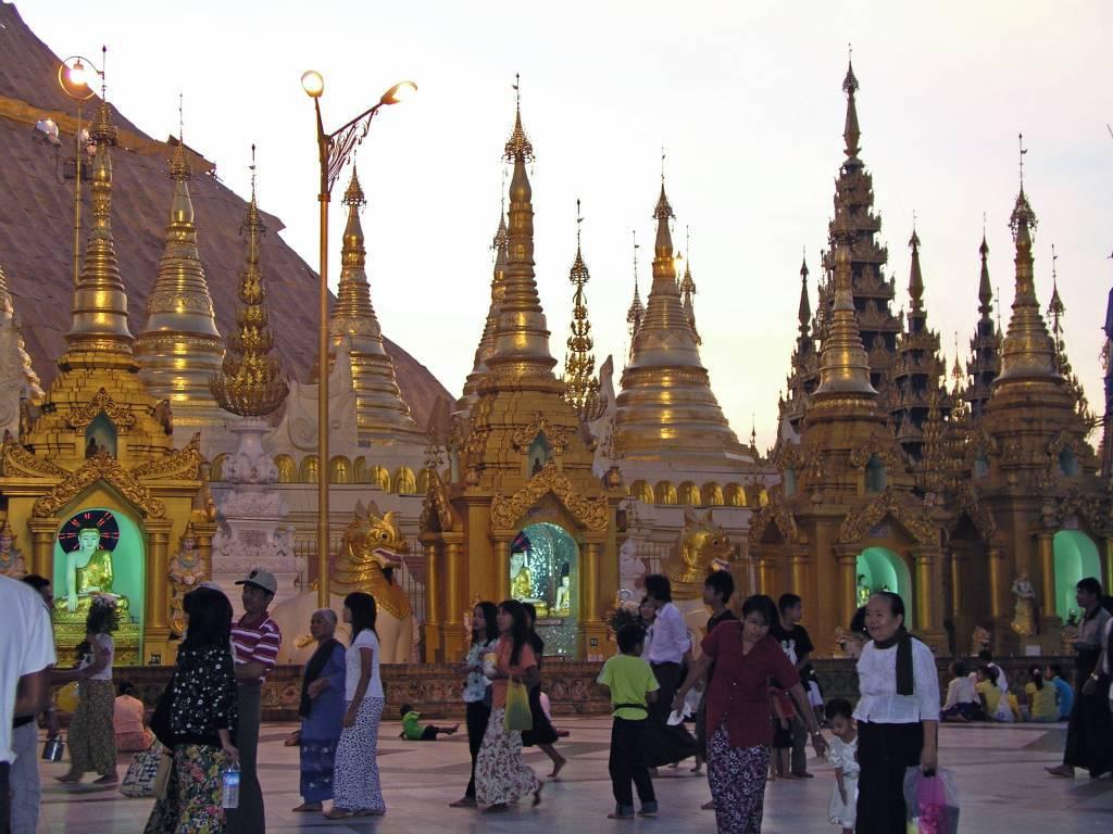 Yangon, Shwedagon-Pagode