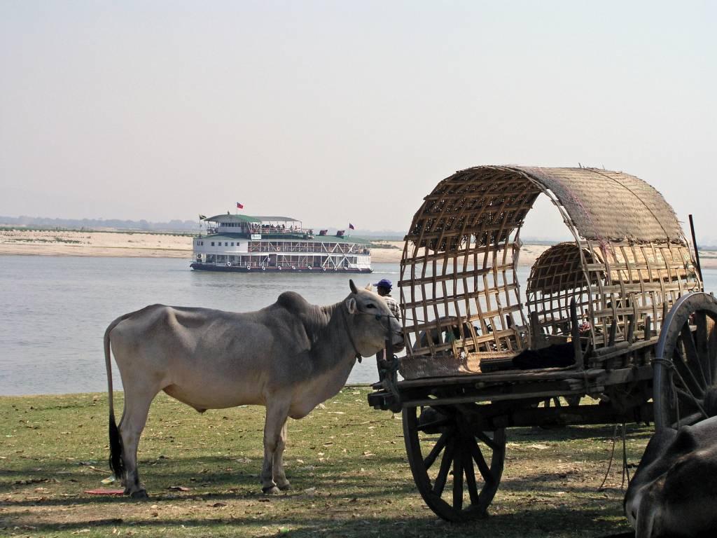 Mingun, am Ayeyarwady Fluss