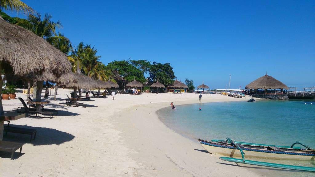 Bluewater Maribago Hotel, Strand